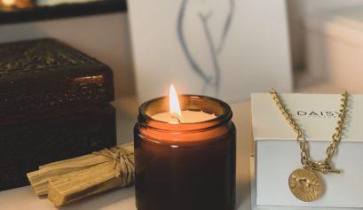 5 ways to feel like a goddess dressing table hollygoeslightly