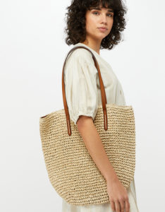 summer bargains you need to buy now beach bag hollygoeslightly